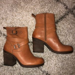 Lucky Brand Brown Leather Booties w Buckles